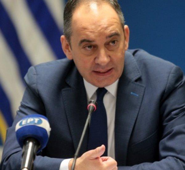 Πλακιωτάκης: Δρομολογούνται οι διαδικασίες για την ανέλκυση του ναυαγίου του «Εξπρές Σάμινα» στην Πάρο
