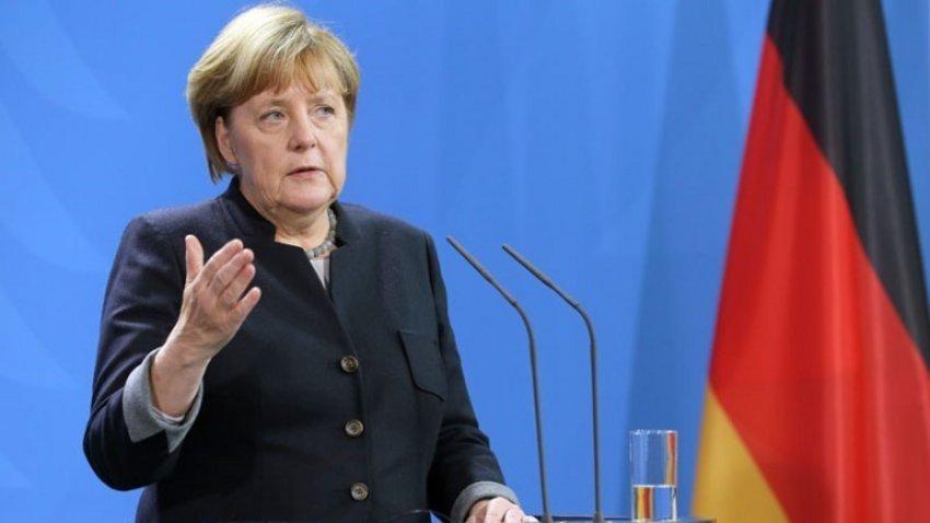 Ναγκόρνο Καραμπάχ: Σε άμεση κατάπαυση πυρός καλεί η Μέρκελ - Διεθνείς συνομιλίες ζητεί η Γαλλία