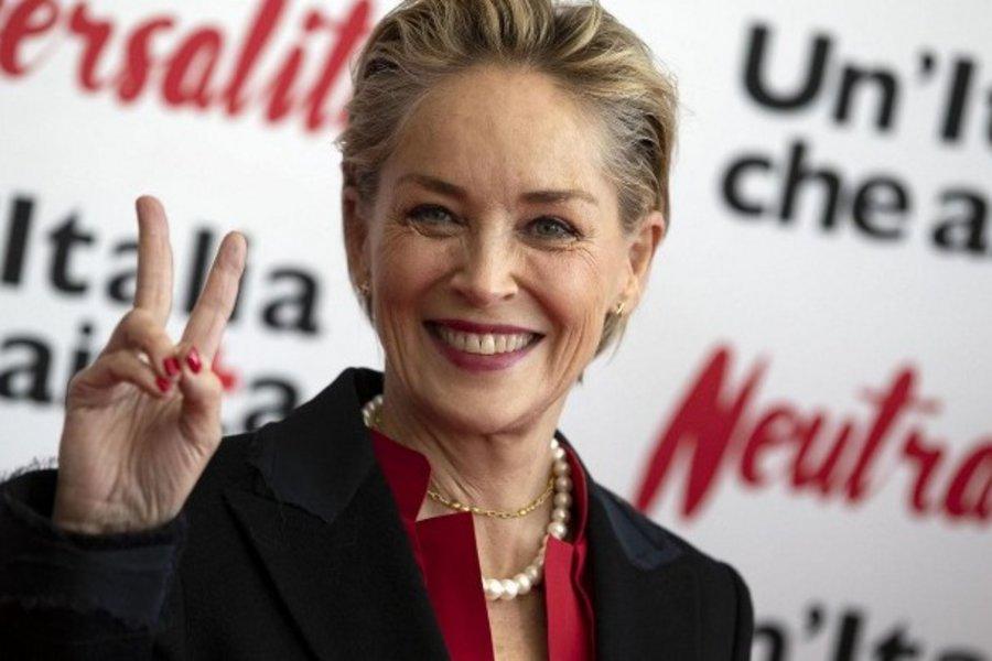 Κορωνοϊός: Η Σάρον Στόουν στέλνει μήνυμα συμπαράστασης στον ιταλικό Ερυθρό Σταυρό