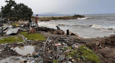 Τραγωδία στη Νησιά Σολομώντα: Παρασύρθηκαν στη θάλασσα από κυκλώνα 28 επιβάτες φέρι που επέστρεφαν στα σπίτια τους λόγω της επιδημίας