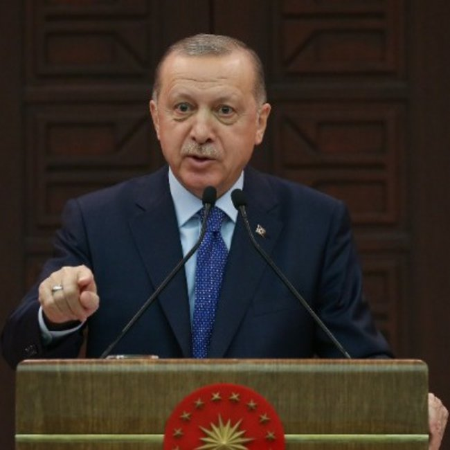 Τουρκία: Υπό πίεση ο Ερντογάν, εξαπλώνεται ταχέως ο κορωνοϊός