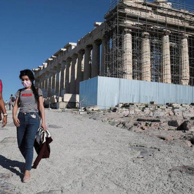 Καθηγητής Σαρηγιάννης: Τέλη Σεπτεμβρίου το δεύτερο κύμα πανδημίας στην Ελλάδα, λόγω ασυμπτωματικών τουριστών