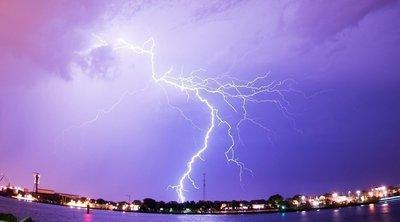 Εκτακτο δελτίο ΕΜΥ: Βροχές, καταιγίδες και χαλάζι έως την Τρίτη