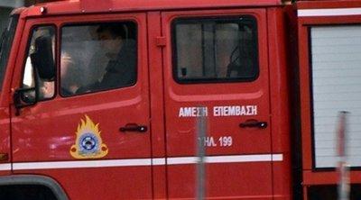 Υπό μερικό έλεγχο η πυρκαγιά στη Βάρη Αττικής - Επί ποδός παραμένει η Πυροσβεστική