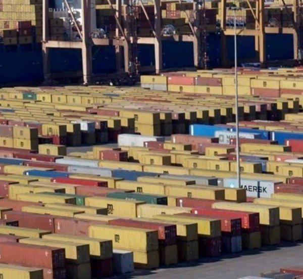 Άνοδος των ελληνικών εξαγωγών τον Ιούνιο φέτος, εξαιρουμένων των πετρελαιοειδών
