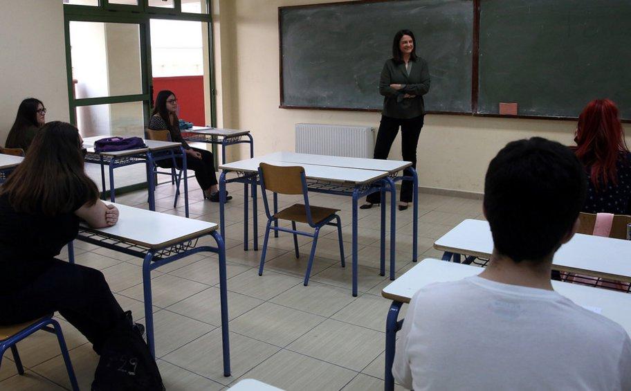 Τα σχολεία δεν θα ανοίξουν πριν την 1η Σεπτεμβρίου ξεκαθάρισε η Κεραμέως