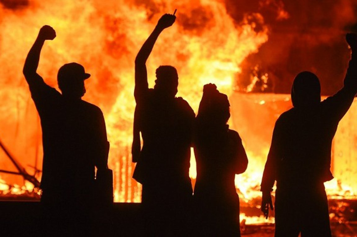 Θάνατος Τζον Φλόιντ: Ταραχές σε πολλές πόλεις των ΗΠΑ - Σε πλήρη κινητοποίηση η Εθνοφρουρά της Μινεσότα