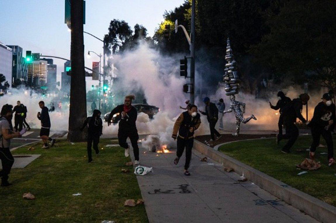 Ταραχές στις ΗΠΑ: Ο Τραμπ ανακοίνωσε την πρόθεσή του να εντάξει το κίνημα Antifa στη λίστα των τρομοκρατικών οργανώσεων