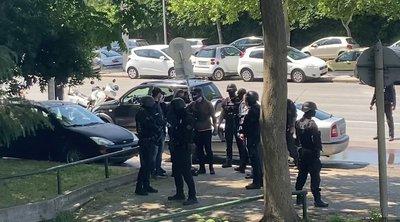 Ελεύθεροι με όρους οι 2 συλληφθέντες για τα εκρηκτικά στο σπίτι του Δ.Σταμάτη - ΒΙΝΤΕΟ