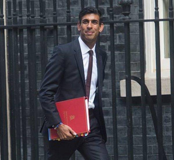 Βρετανός ΥΠΟΙΚ: Γυρίζει σελίδα μετά την πανδημία - Ανακοινώνει τριετές πρόγραμμα δαπανών με στόχο την αναβάθμιση φτωχότερων περιοχών