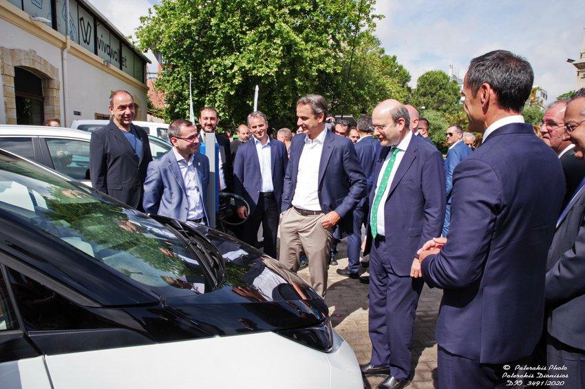 Χατζηδάκης: Φορτιστές για ηλεκτροκινούμενα οχήματα έως το τέλος του 2021 στις Εθνικές Οδούς