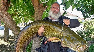 Ιερέας «έπιασε» ψάρι 35 κιλών - BINTEO
