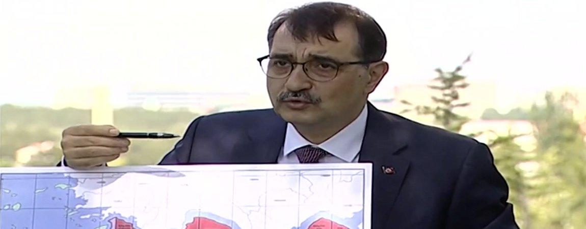 Νέο σόου της Αγκυρας με χάρτες - Τούρκος υπουργός Ενέργειας: Κάνουμε τις γεωτρήσεις στα όρια της «Γαλάζιας Πατρίδας»