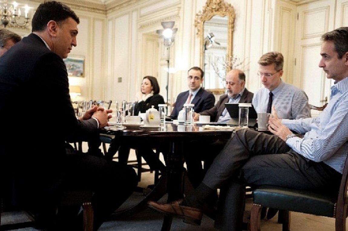 Συναγερμός για τα «εισαγόμενα» κρούσματα – Έκτακτη σύσκεψη συγκαλεί αύριο ο Μητσοτάκης για τα μέτρα στις πύλες εισόδου της χώρας