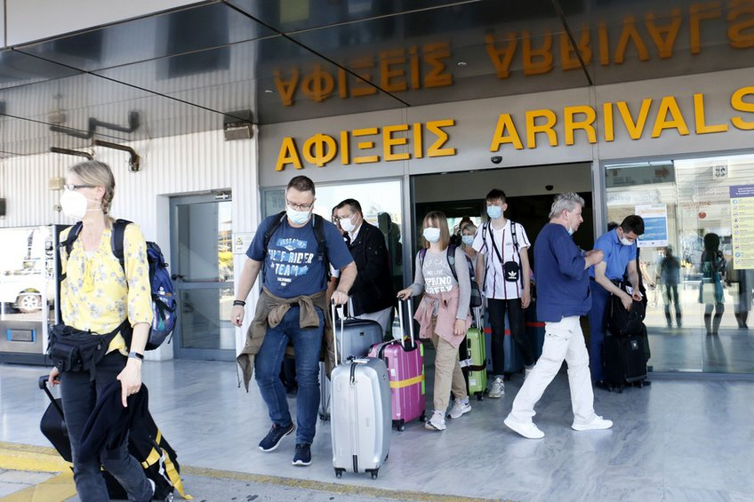 Άνοιξαν οι πύλες: 235 διεθνείς πτήσεις στην Ελλάδα - Θεοχάρης: Ο ελληνικός τουρισμός θα αποδείξει πως είναι εδώ