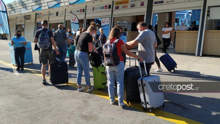 Ηράκλειο: Άφιξη του πρώτου αεροσκάφους από τη Γερμανία - 4.000 τουρίστες σήμερα στο αεροδρόμιο Νίκος Καζαντζάκης