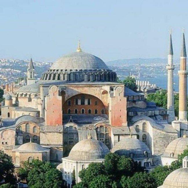 Αγία Σοφία: Η Μόσχα ζητά από τους Τούρκους να το σκεφτούν ξανά - Σε λιγότερο από 15 μέρες θα αποφασίσει το ανώτατο τουρκικό δικαστήριο