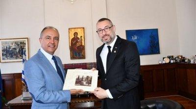 Συναντήσεις του πρέσβη της Αυστραλίας με Θ. Καράογλου και Κ. Ζέρβα