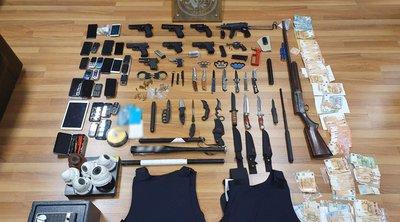 Συμμορία εκβιαστών: Εκρήξεις, εμπρησμοί, ξυλοδαρμοί, και ... κυνομαχίες - Σοκάρει το «οπλοστάσιο» που είχαν
