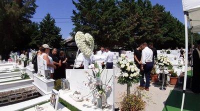Τραγωδία στα Τρίκαλα: Ράγισαν καρδιές στην κηδεία της 19χρονης που παρασύρθηκε από Ι.Χ.