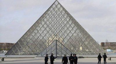 Ανοίγει την Δευτέρα το Λούβρο στο Παρίσι με απώλειες που ξεπερνούν τα 40 εκατ. ευρώ