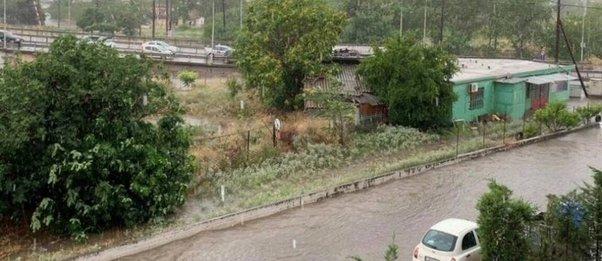 Ξεκίνησε η κακοκαιρία: Ποτάμια οι δρόμοι στη Θεσσαλονίκη, προβλήματα σε Κιλελέρ, Πτολεμαΐδα, Λάρισα και Φθιώτιδα