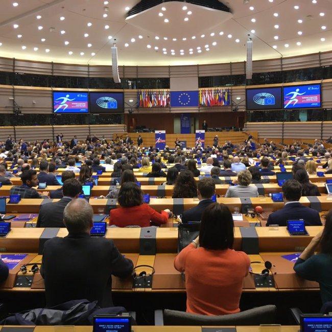Ευρωβουλευτές κατηγόρησαν την Ελλάδα για «ακροδεξιά αντιμετώπιση» στο προσφυγικό - «Πάρτε το πίσω» απάντησαν οι υπουργοί