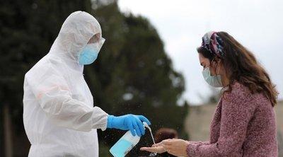 Με μάσκες, αντισηπτικά και γάντια το φαρμακείο των διακοπών λόγω κορωνοϊού