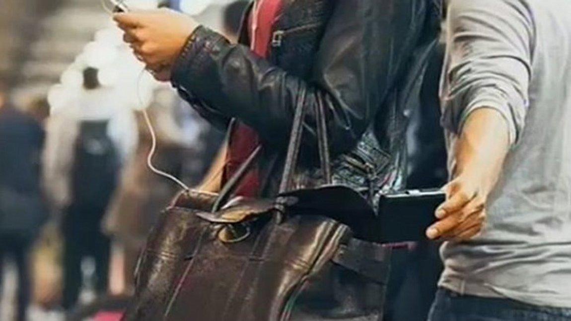 36 συλλήψεις αλλοδαπών πορτοφολάδων που «χτυπούσαν» σε ΜΜΜ - Δείτε πως δρούσαν - ΒΙΝΤΕΟ