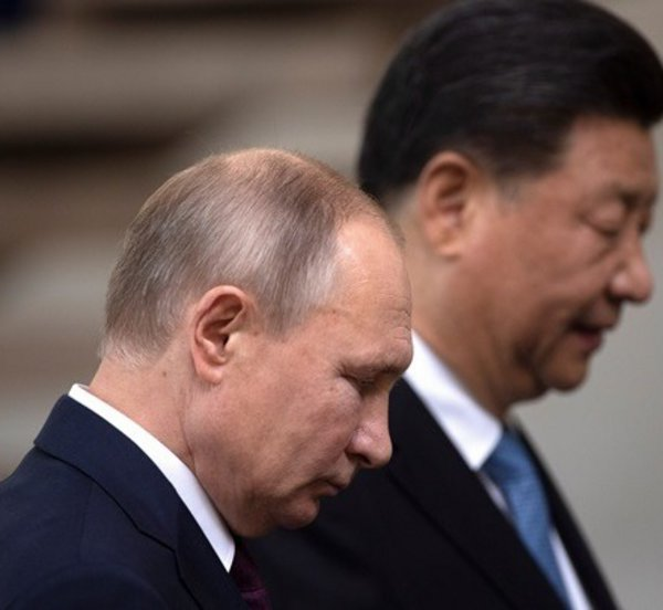 Πούτιν και Σι Τζινπίνγκ συμφώνησαν να προωθήσουν την οικονομική συνεργασία