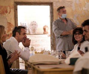 Δείπνο Μητσοτάκη - Σακελλαροπούλου σε ταβέρνα στο Μεταξουργείο μετά την εκδήλωση στο ναό του Ολυμπίου Διός
