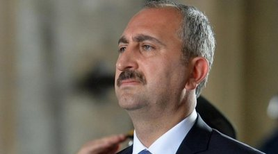 Τούρκος υπουργός Δικαιοσύνης: Είναι νομική ανάγκη να ξανανοίξουμε την Αγία Σοφία για λατρεία