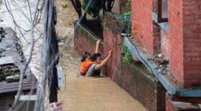 Πλημμύρες και κατολισθήσεις «πνίγουν» το Νεπάλ - Τουλάχιστον 40 νεκροί, χιλιάδες εγκατέλειψαν τις εστίες τους