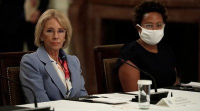 ΗΠΑ-κορωνοϊός: Η υπουργός Παιδείας θέλει την επαναλειτουργία των σχολείων από το φθινόπωρο
