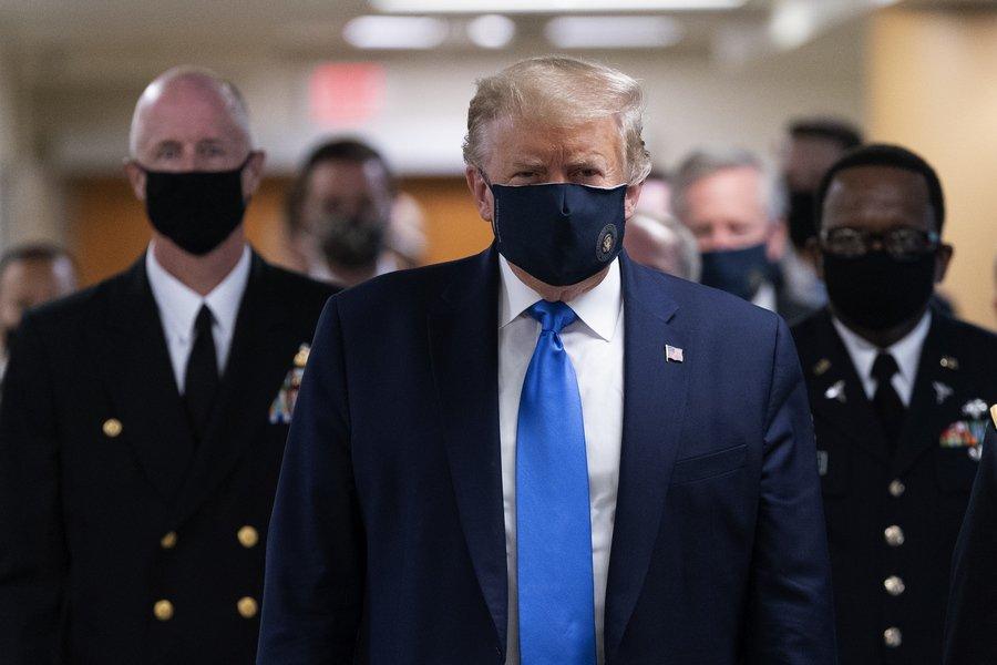 Νέο αρνητικό ρεκόρ κρουσμάτων του κορωνοϊού στις ΗΠΑ - Για πρώτη φορά εμφανίστηκε με μάσκα ο Τραμπ - ΒΙΝΤΕΟ