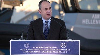 Ιω. Πλακιωτάκης: Στο λιμάνι του Πειραιά ενόψει της εξόδου του τριημέρου