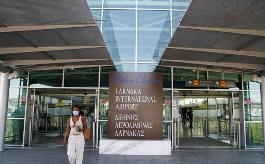 Η Κύπρος μας «έριξε» στην κατηγορία Β για κίνδυνο κορωνοϊού - Υποχρεωτικά τεστ σε ταξιδιώτες από Ελλάδα