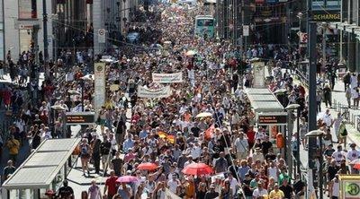 Γερμανία: Η κυβέρνηση καταδικάζει τις «μαζικές παραβιάσεις» των υγειονομικών κανόνων κατά την διαδήλωση στο Βερολίνο