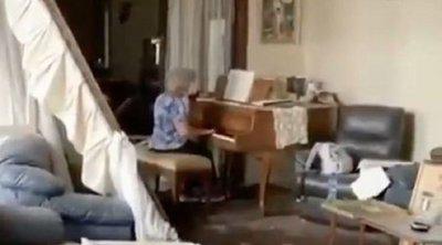 Βηρυτός: Ηλικιωμένη παίζει πιάνο στο «βομβαρδισμένο» σπίτι της - Συγκινητικό ΒΙΝΤΕΟ
