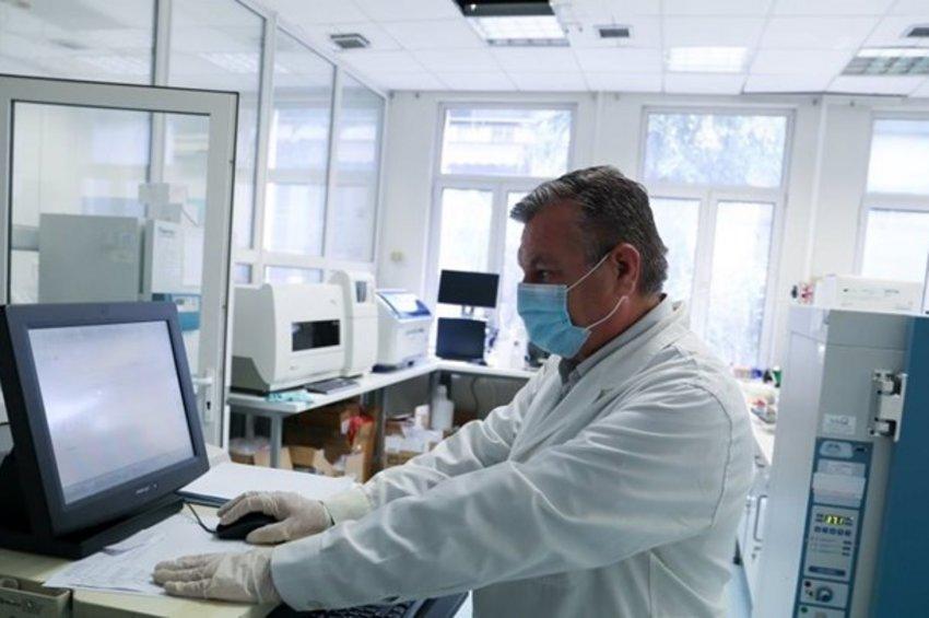 Μελέτη-σοκ από το ΑΠΘ: Μάσκα παντού, τηλεργασία και τοπικό lockdown αλλιώς 700 κρούσματα ημερησίως