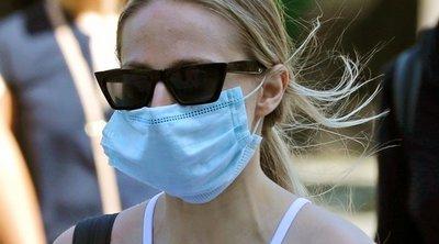 Οδηγός περιποίησης προσώπου για όσο φοράς τη μάσκα προστασίας