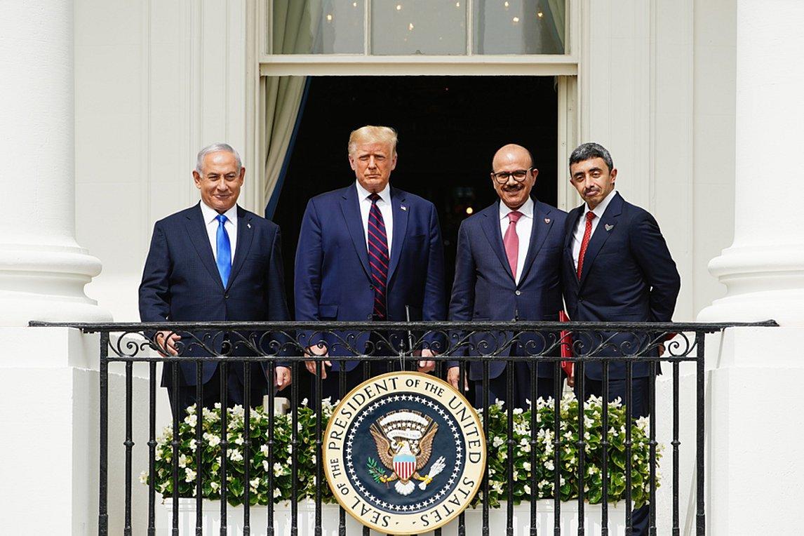 Υπογράφηκαν οι συμφωνίες ομαλοποίησης των σχέσεων Ισραήλ, Μπαχρέιν, ΗΑΕ - Τραμπ: Ανάδυση μιας Νέας Μέσης Ανατολής