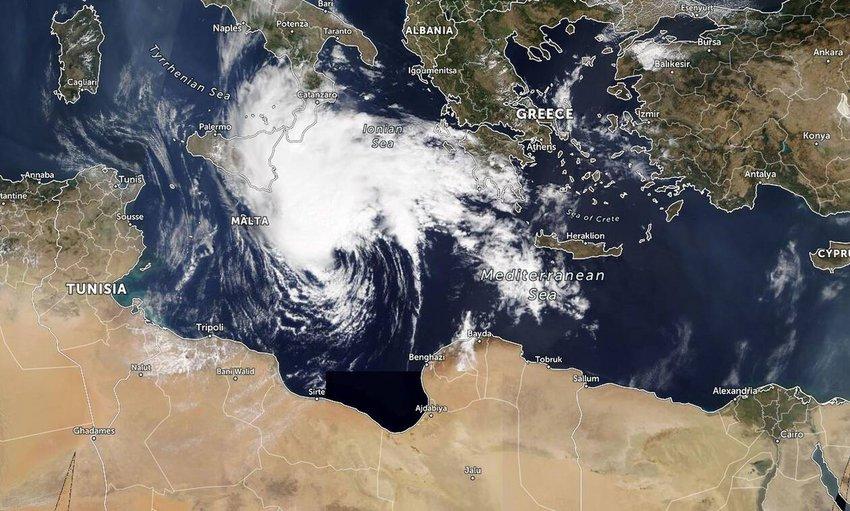 Ο «Ιανός» έφτασε και χτυπά την Δ. Ελλάδα - Μήνυμα από το «112» σε περιοχές που θα πλήξει - Συνεχείς συσκέψεις στην Πολιτική Προστασία