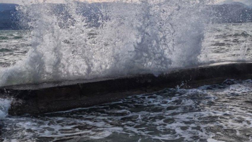 Έκλεισε η ακτοπλοϊκή γραμμή Ζακύνθου-Κυλλήνης λόγω των ακραίων καιρικών φαινομένων