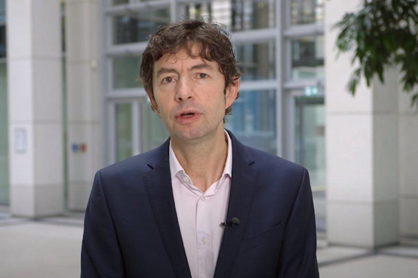 «Η πανδημία ξεκινά μόλις τώρα» προειδοποιεί ο κορυφαίος λοιμωξιολόγος Κρίστιαν Ντρόστεν