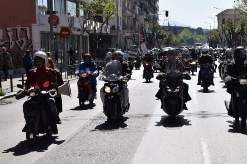 Με δίπλωμα αυτοκινήτου κατηγορίας Β, η οδήγηση μοτοσικλέτας έως 125 κ.εκ - Αντιδράσεις των εκπαιδευτών