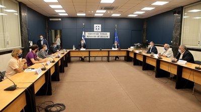 Κορωνοϊός: Κικίλιας-Τσιόδρας ενημέρωσαν τους εκπροσώπους των κομμάτων της αντιπολίτευσης