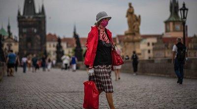 Τσεχία-κορωνοϊός: Για πρώτη φορά ο ημερήσιος αριθμός νέων κρουσμάτων ξεπέρασε τις 15.000
