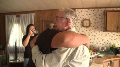 89χρονος που δουλεύει ντελιβεράς για να τα βγάλει πέρα, έλαβε φιλοδώρημα 12.000 δολαρίων