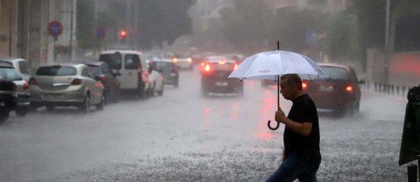 Νέα κακοκαιρία από τα ξημερώματα - Καταιγίδες μέχρι το πρωί της Τρίτης - Οδηγίες  προς τους πολίτες